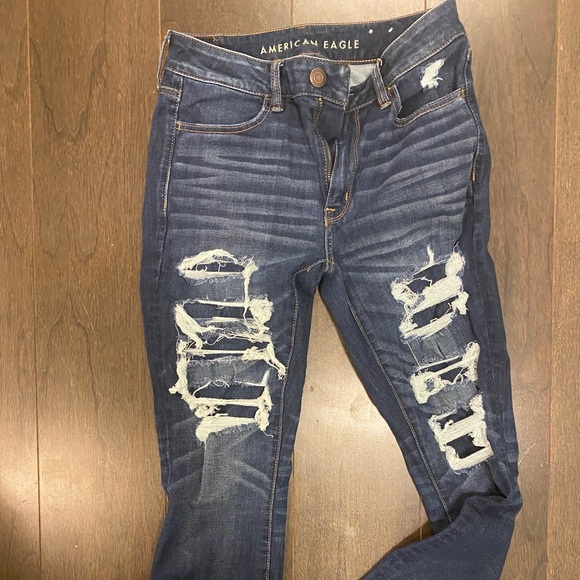 American Eagle - Ripped Skinny Jeans - Size 6